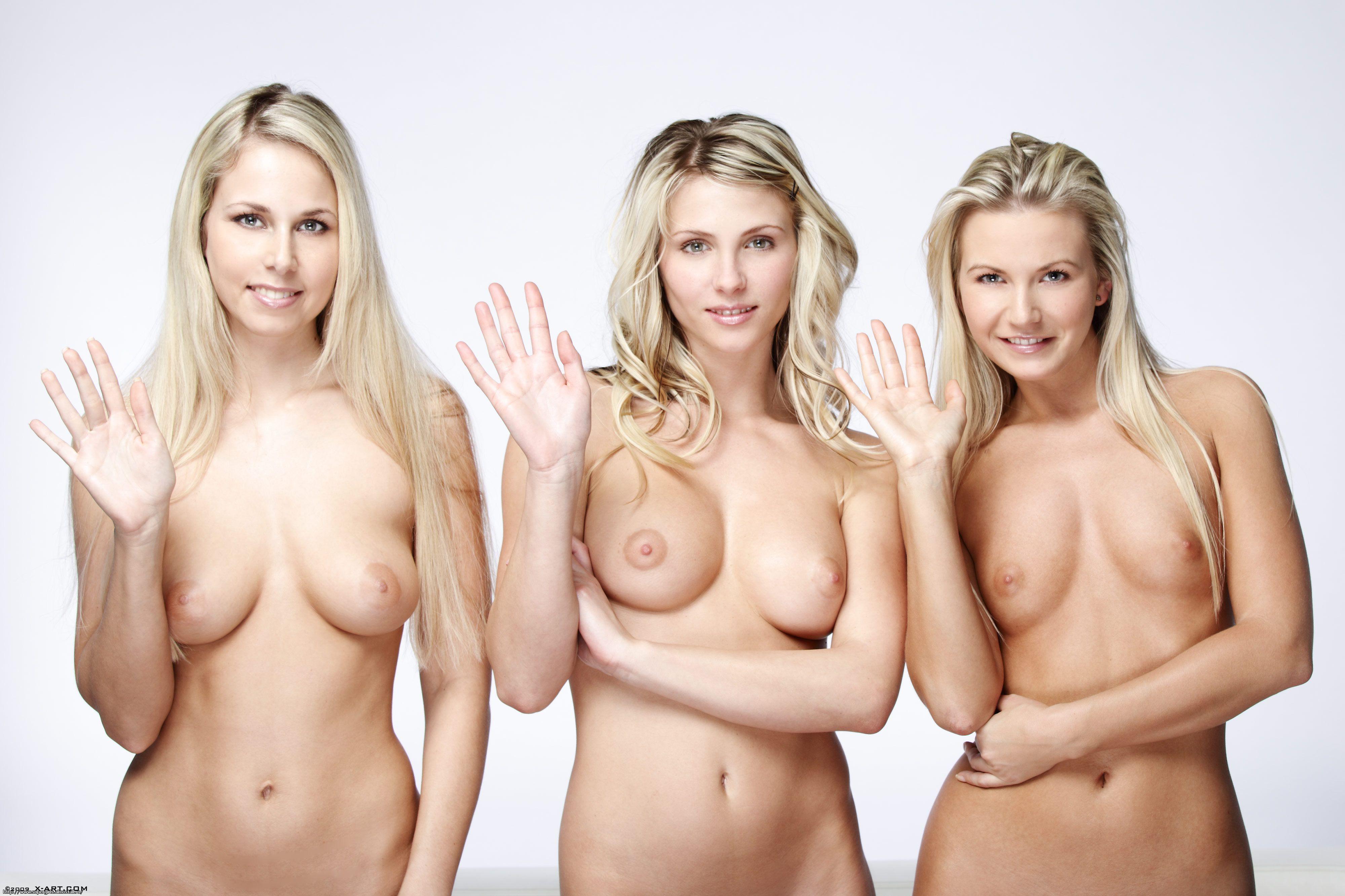 Фото взрослых голых девушек 10 фотография