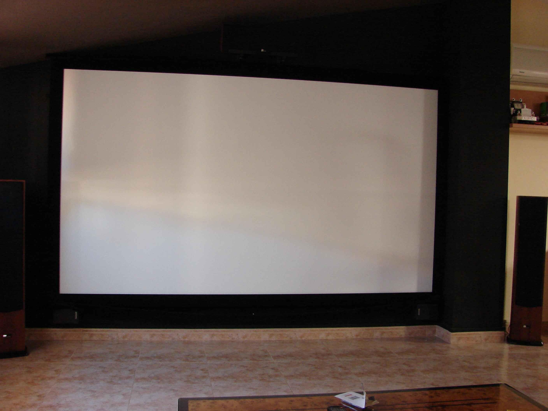 Brico pantalla 16 9 a 235 1 for Pantalla proyector electrica