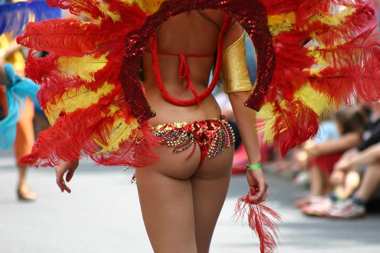 Карнавал в Бразилии. Танцы в Рио. ФОТО