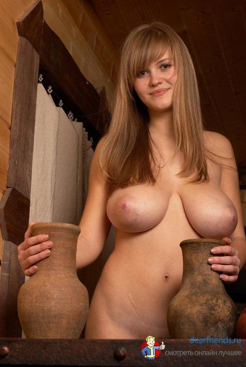 фото голых баб с огромными грудями
