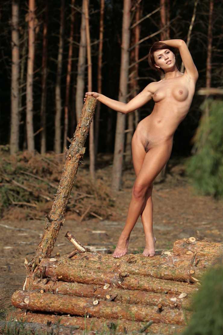 leñadora de tus sueños desnuda Katrin B