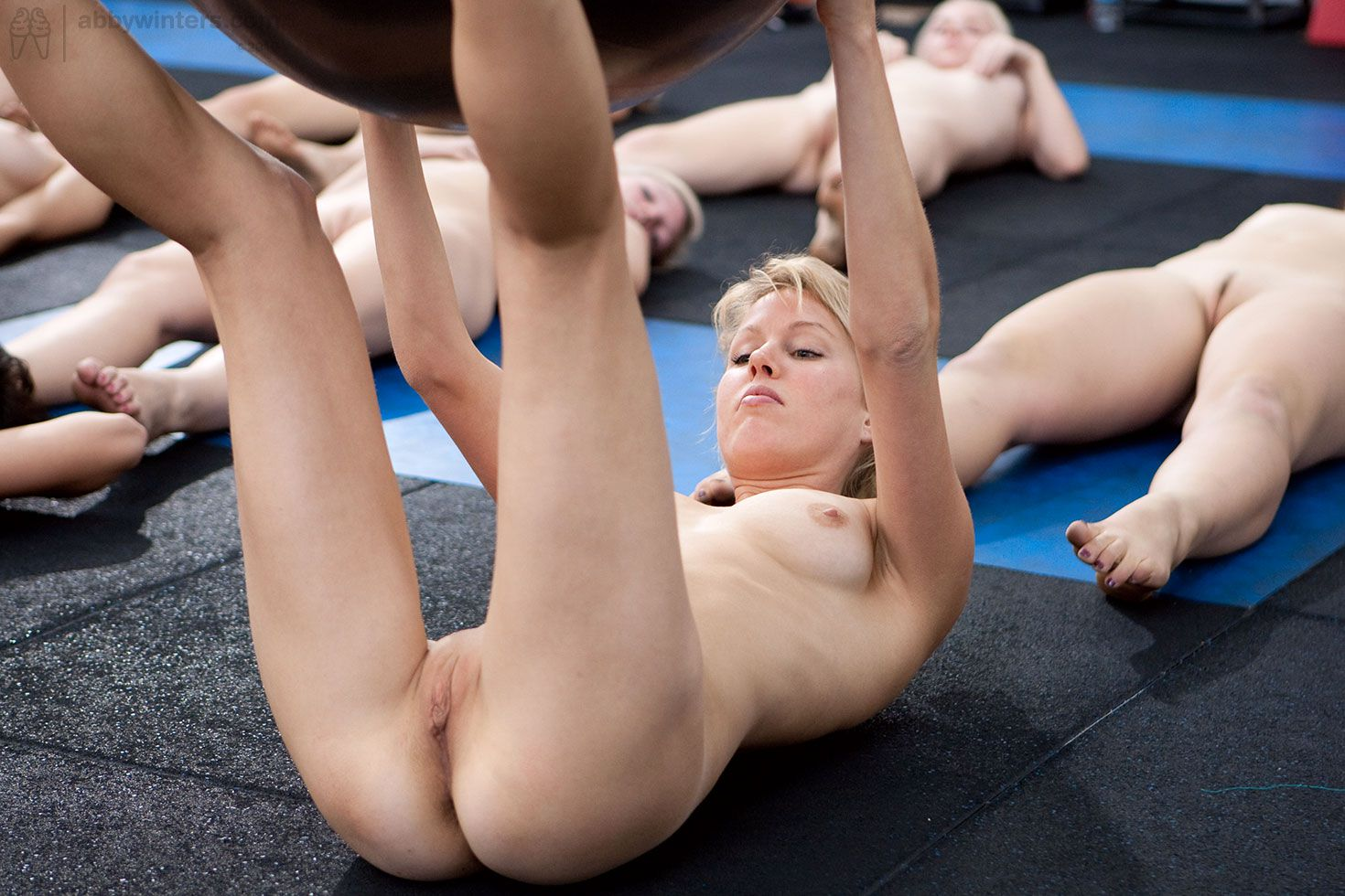 womenyoga-nu-sucking-nipples-in-sex