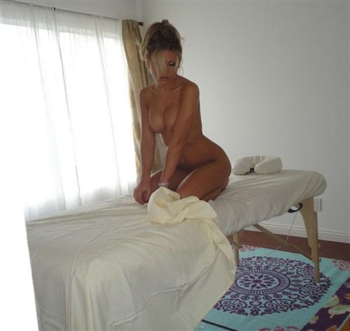 Aubrey Addams - Aubrey's First Fully Nude Massage