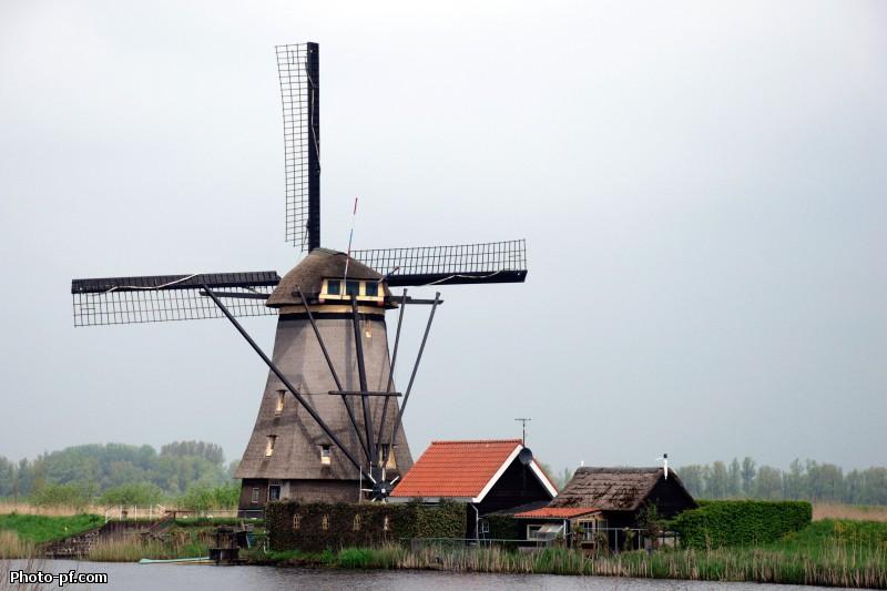 комплекс ветряных мельниц