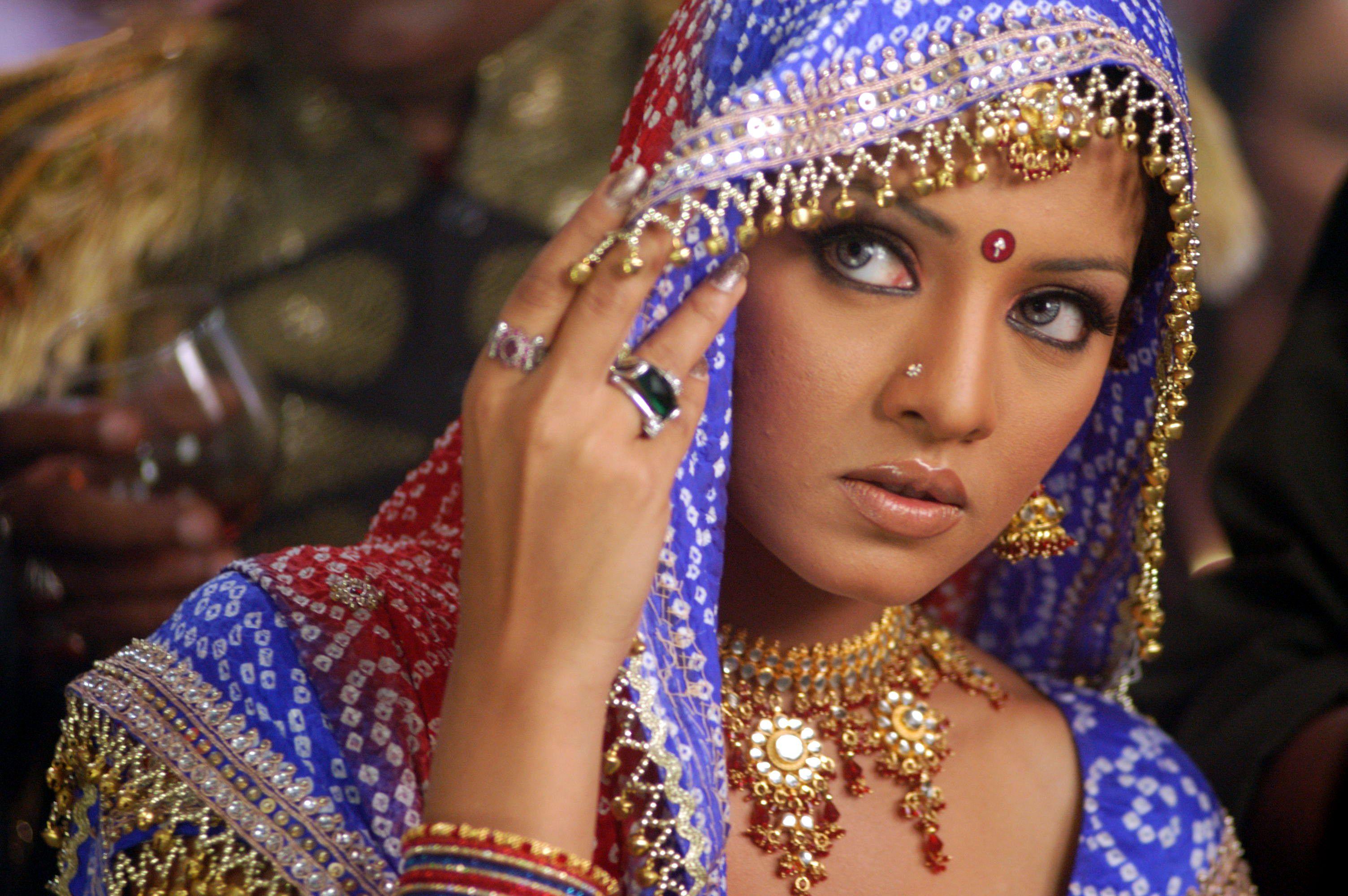 Фото девушек из индийского кино