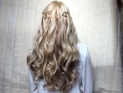 Светлые кудрявые волосы фото