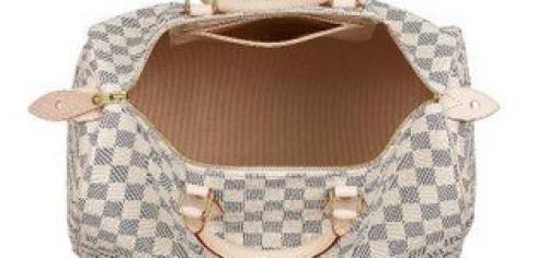 de59e51f9c9b На некоторых официальных фотографиях сумок Louis Vuitton коричневая  внутренняя ткань может быть похожей на замшу, но все-таки это хлопок.