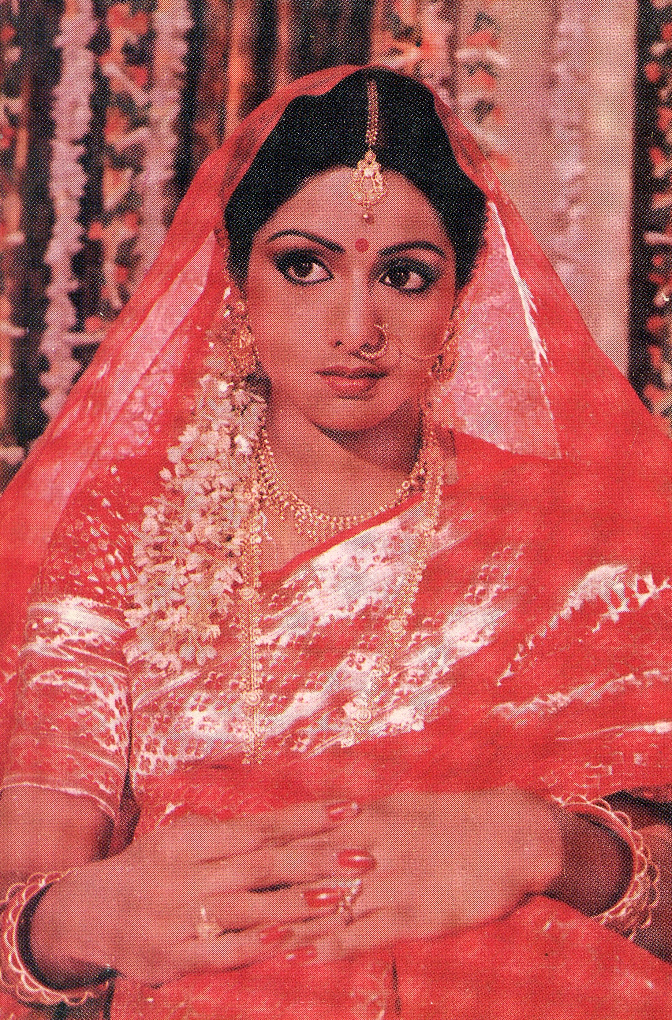 Смотреть старые индийские фильмы онлайн бесплатно без ...