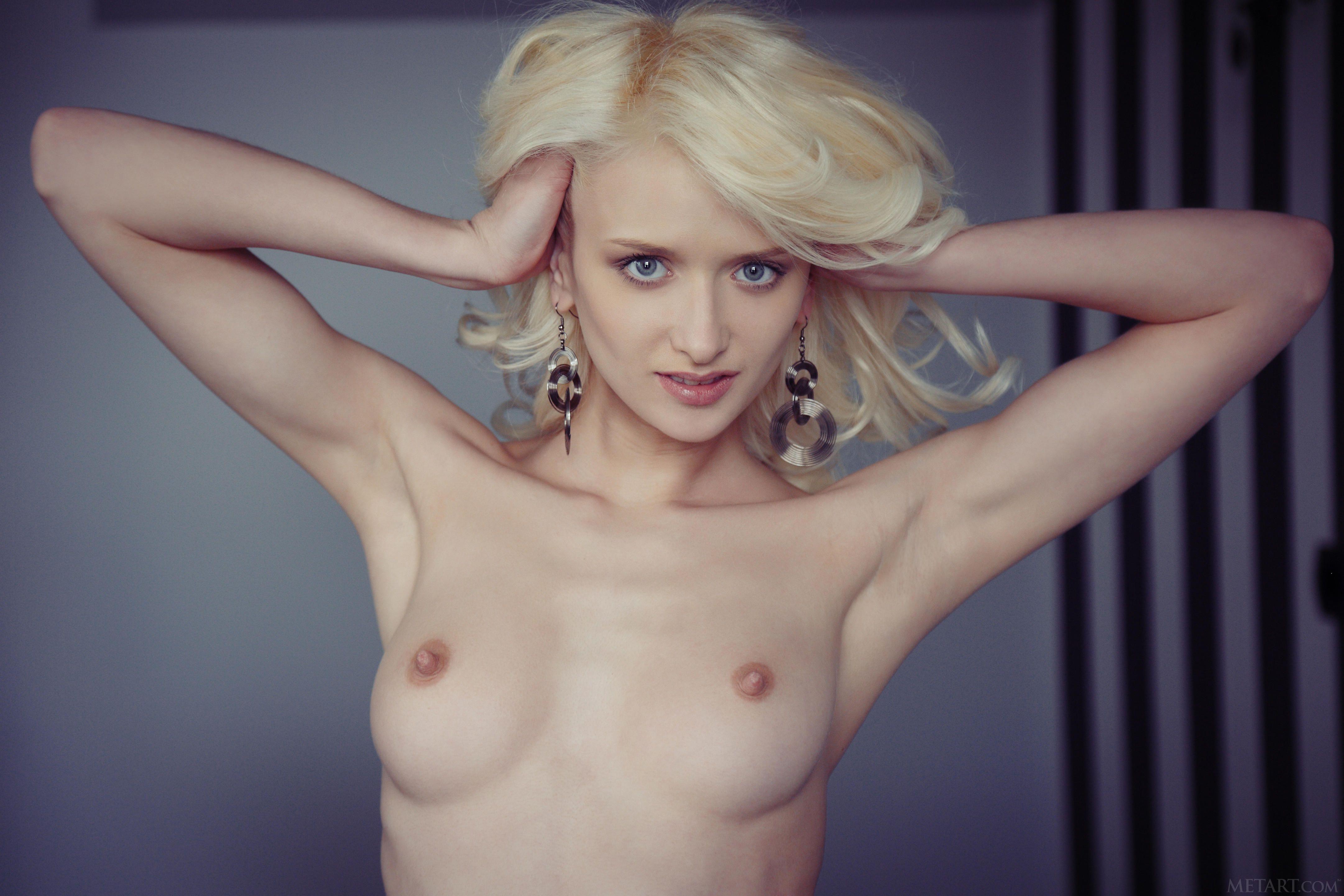 http://i3.imageban.ru/out/2013/05/22/ff9fc75592e17513e71a97765dd20e43.jpg