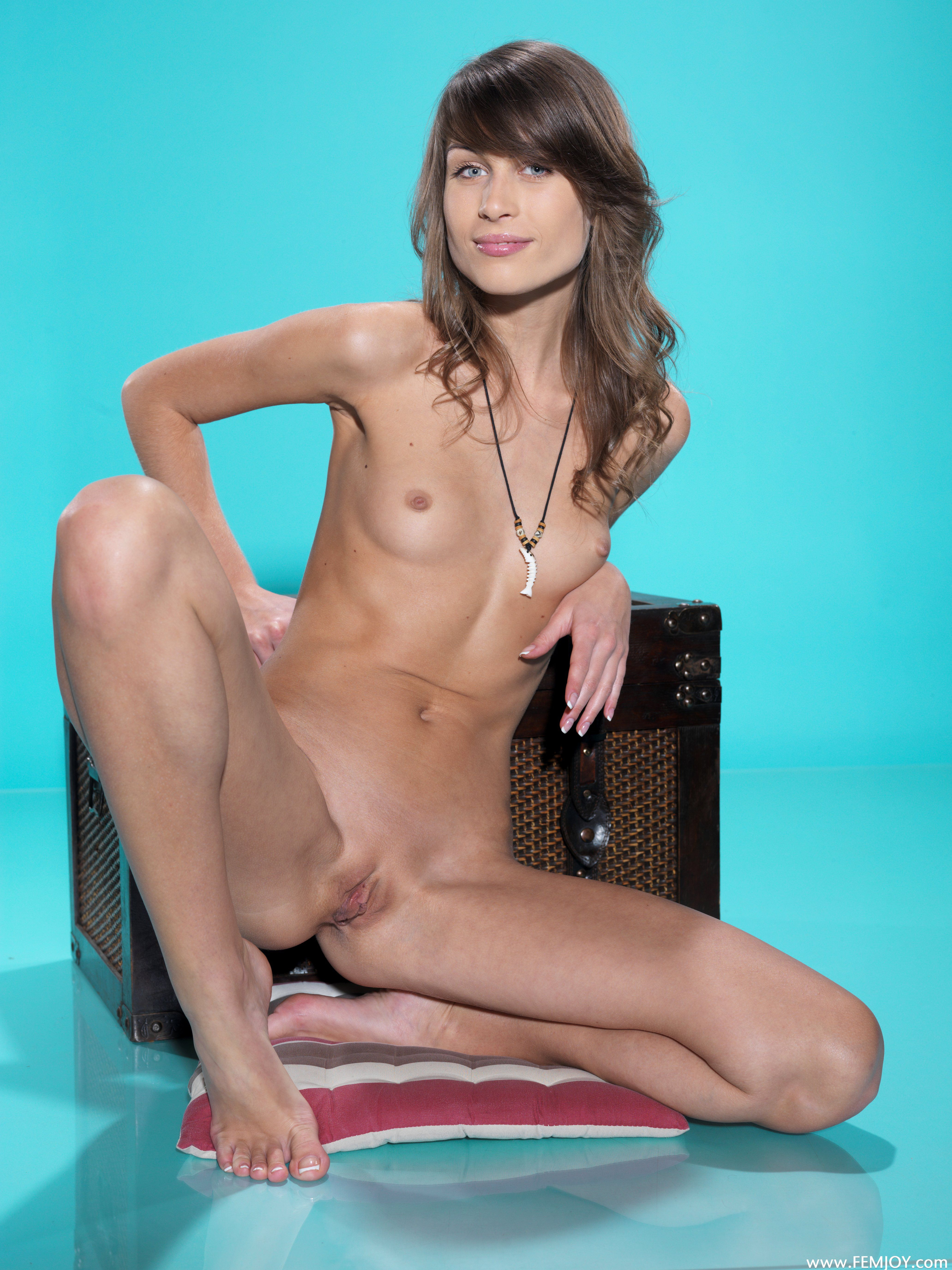 http://i3.imageban.ru/out/2013/11/13/112fa8256cc61b04c05f84bd20d983f4.jpg