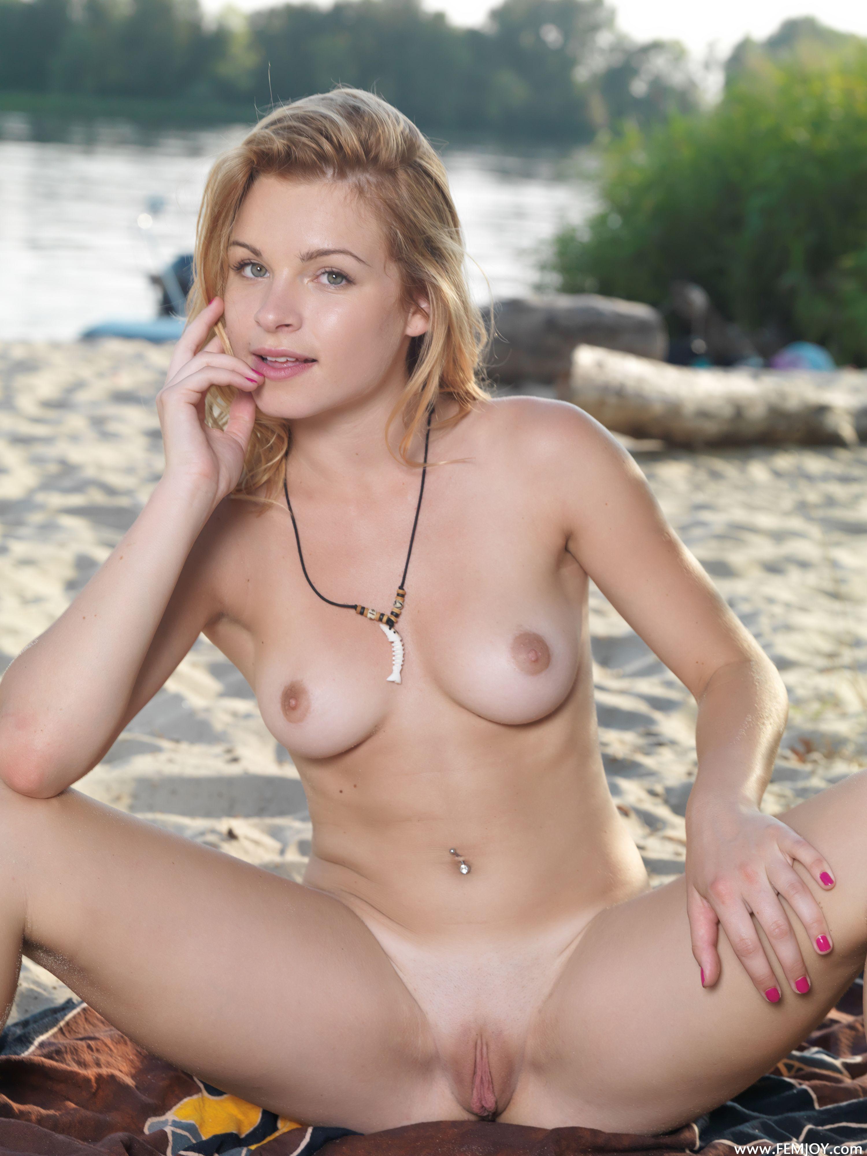 http://i3.imageban.ru/out/2014/02/09/703de159f114580a81c379160fe31a8a.jpg
