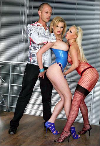 Tarra White & Carla Cox - Тори, Тарра и Бобби любят Рокко / Tori, Tarra & Bobbi Love Rocco (2010) DVDRip |