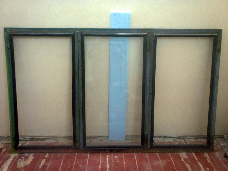 Оконные рамы для балкона (стальные).