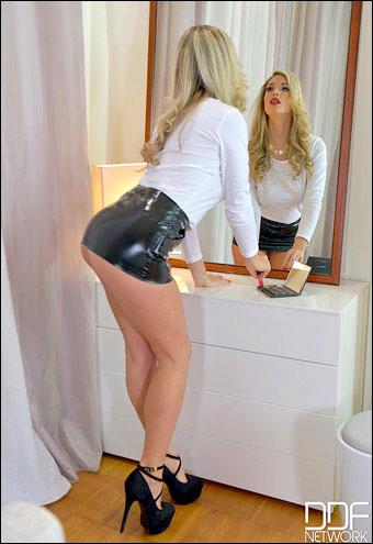 Eva Parcker - Anal Porn Voyeur (2015) WEB-DL 720p |