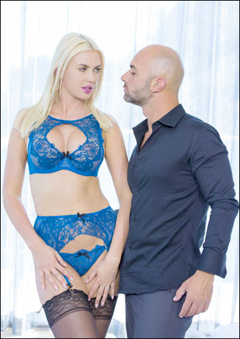 Gigi Allens - Arty Babe Gets Anal From Client (2015) WEBRip