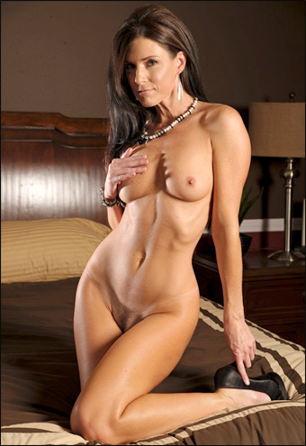 India Summer - A Day In India (2011) SiteRip |