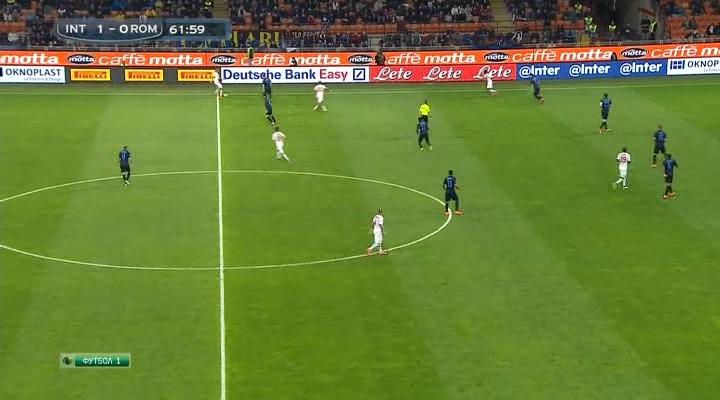 32.Inter [away].1-1 [R. Nainggolan].avi_snapshot_00.01_[2016.12.11_19.56.42].png