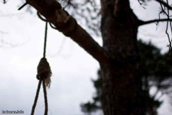 Թոշակառուն ինքնասպանություն է գործե՝լ ծառից կախվելու միջոցով