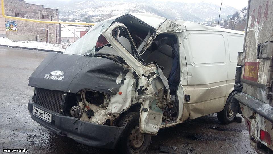 Խոշոր ավտովթար Լոռիում, վարորդն արգելափակվել է մեքենայի մեջ. ՖՈՏՈ