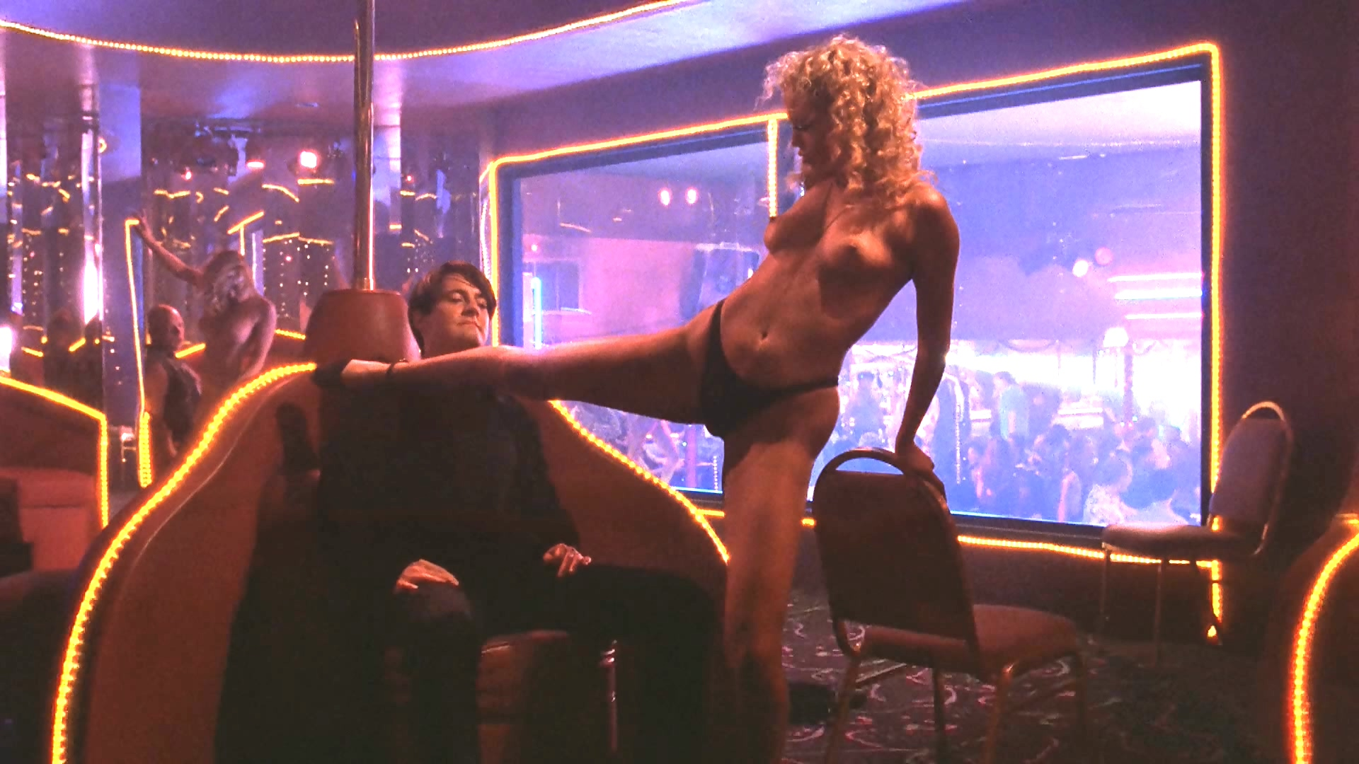 Elizabeth Berkley - Showgirls 1920-1080 1.avi_20170902_130553.635.jpg