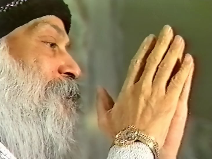 Osho_Om Mani Padme Hum_The Sound of Silence_dis.13 (1987.12.27).mp4_snapshot_01.50.28_[2017.10.16_00.19.07].jpg