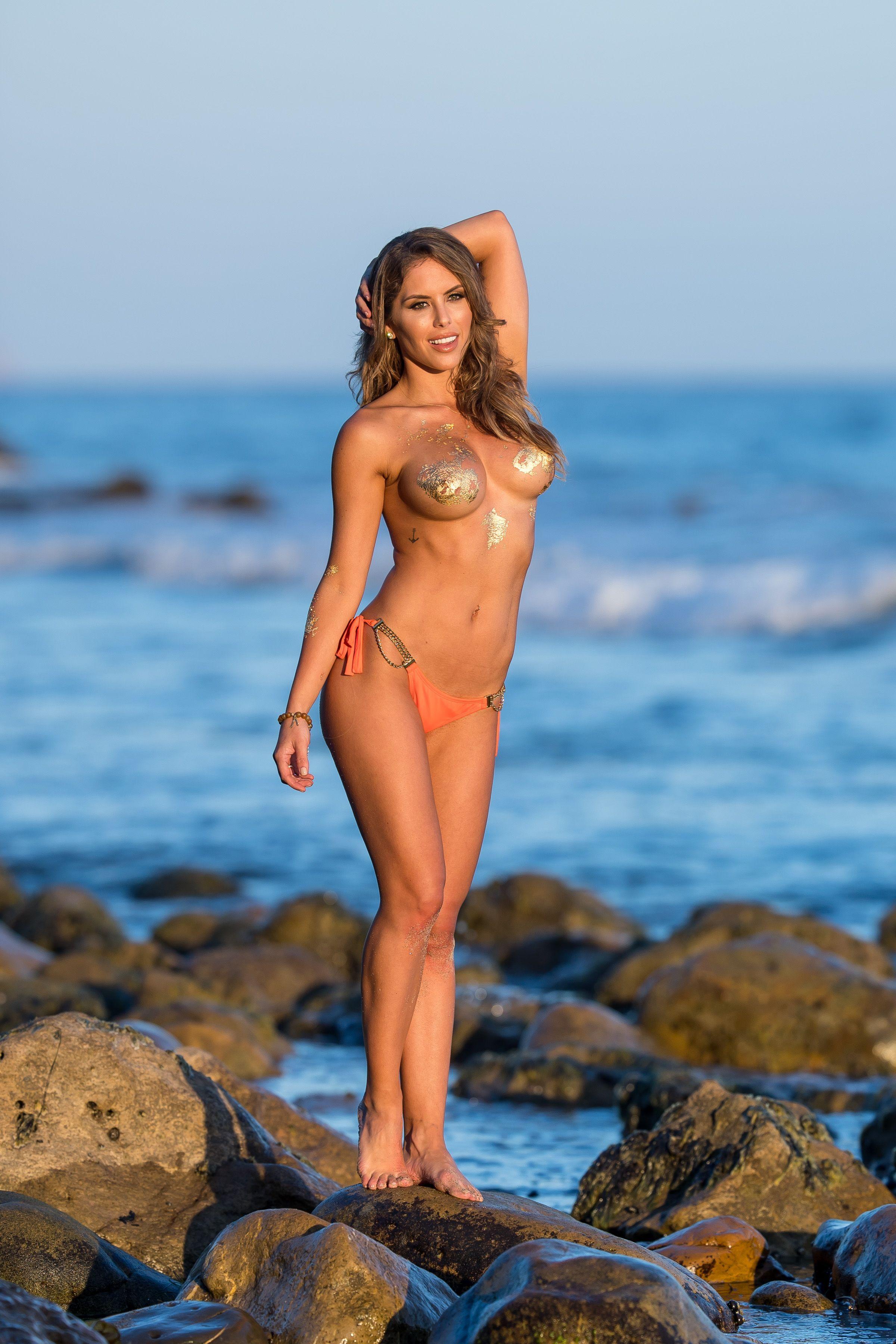 Brittney-Palmer-Sexy-Topless-34-thefappeningblog.com_.jpg