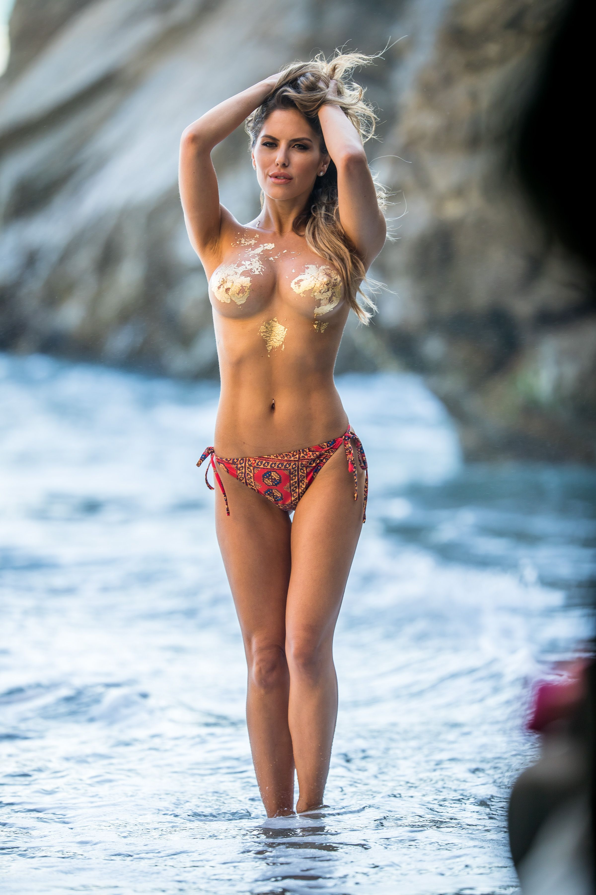 Brittney-Palmer-Sexy-Topless-4-thefappeningblog.com_.jpg