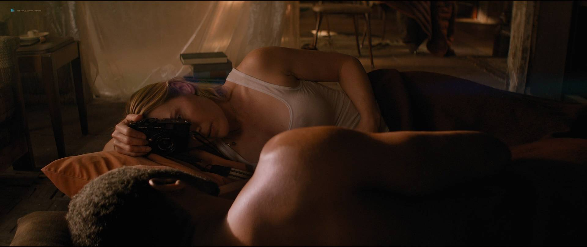 Kate-Winslet-hot-and-some-sex-The-Mountain-Between-Us-2017-HD-1080p-BluRay-11.jpg
