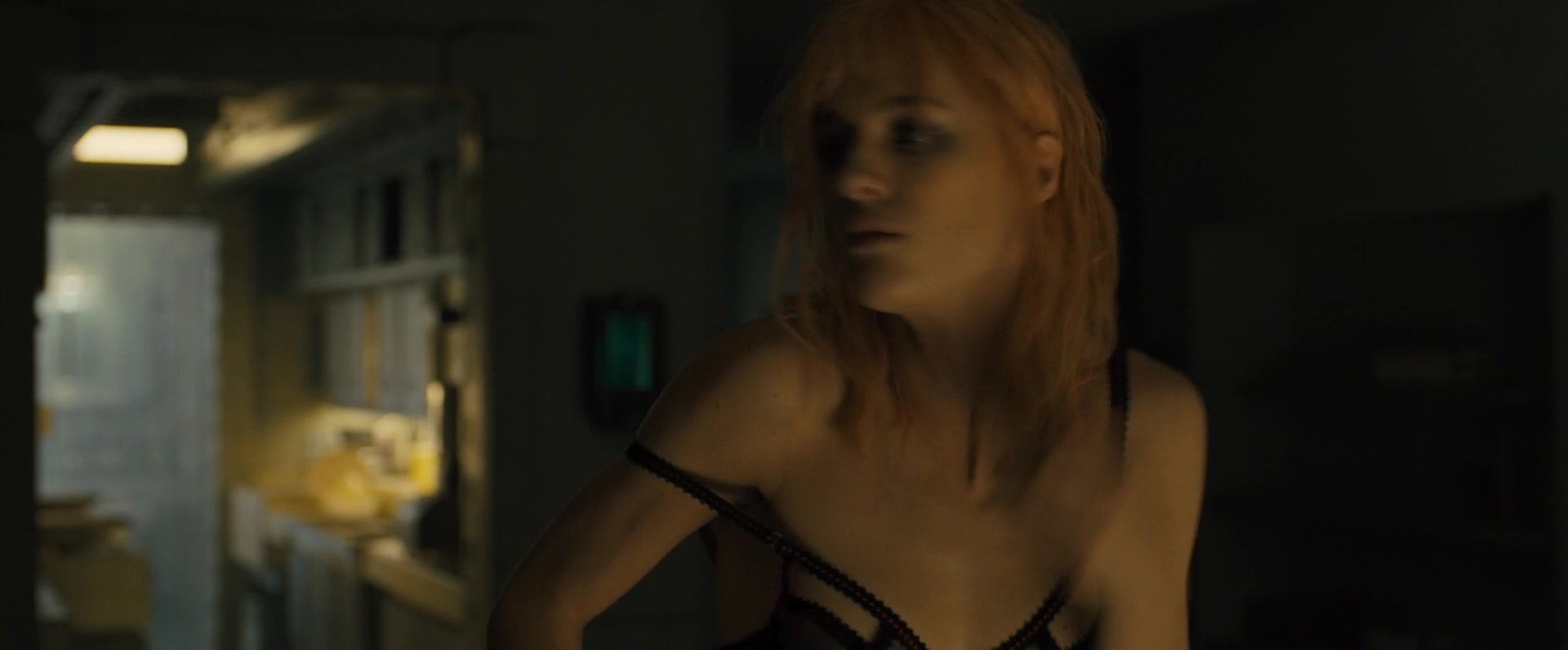 Ana-de-Armas-Sallie-Harmsen-Mackenzie-Davis-etc-Nude-52-thefappeningblog.com_.jpg