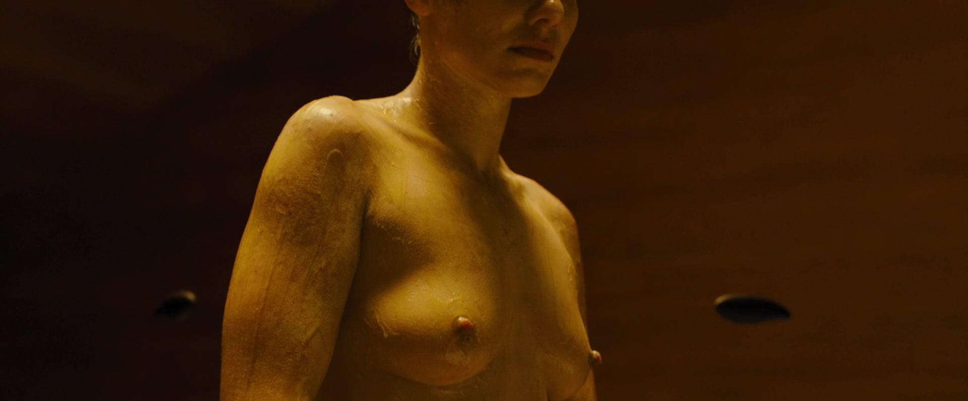 Ana-de-Armas-Sallie-Harmsen-Mackenzie-Davis-etc-Nude-23-thefappeningblog.com_.jpg