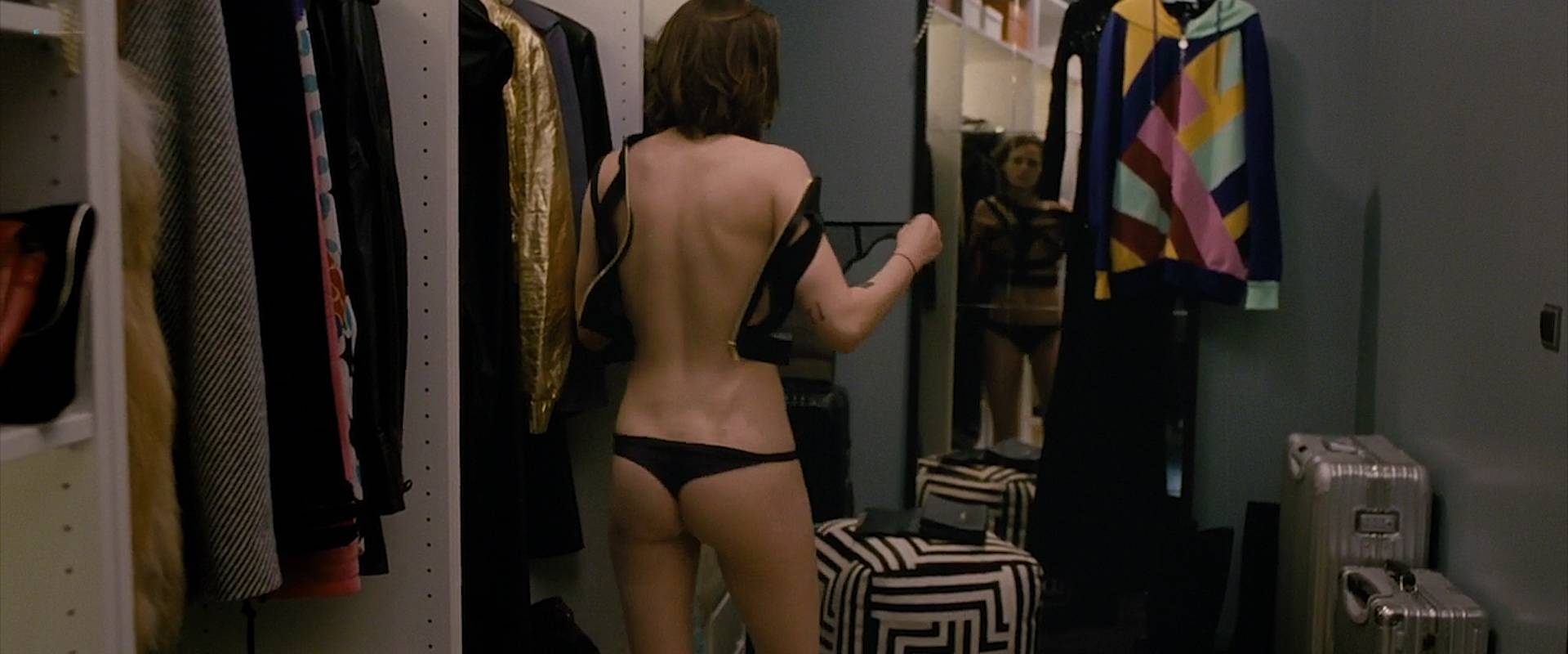 Kristen-Stewart-nude-topless-and-hot-while-masturbating-Personal-Shopper-2016-HD-1080p-WEB-00012.jpg
