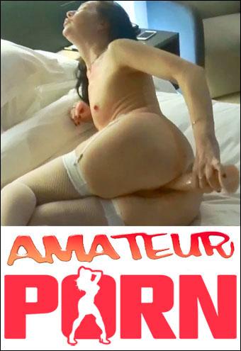 SW Maxim - На даче с мужем и его друзьями / Slut life (2018) CAMRip