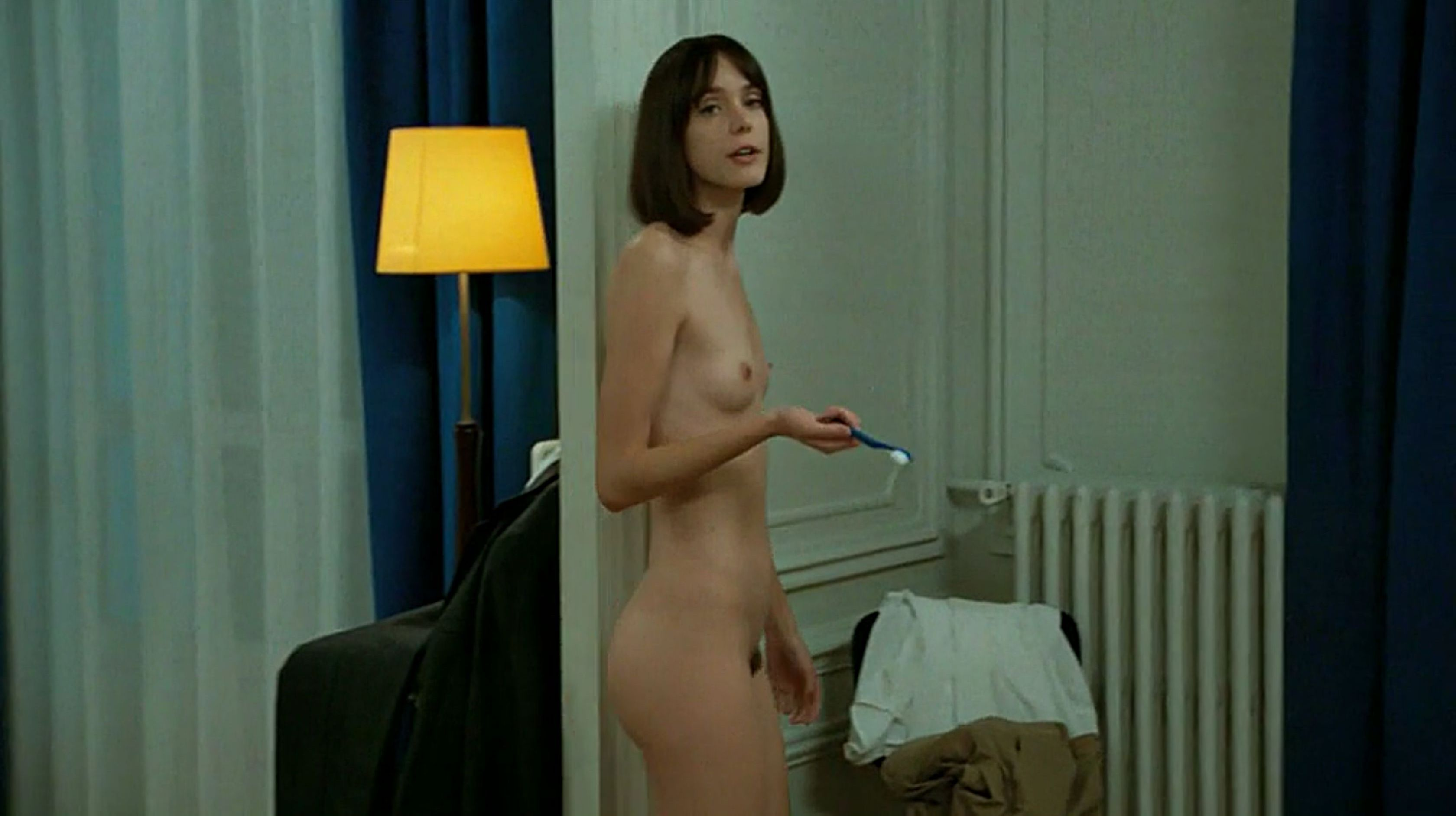 Stacy-Martin-Nude-Le-Redoutable-2017-12-The-Fappening-Blog.jpg
