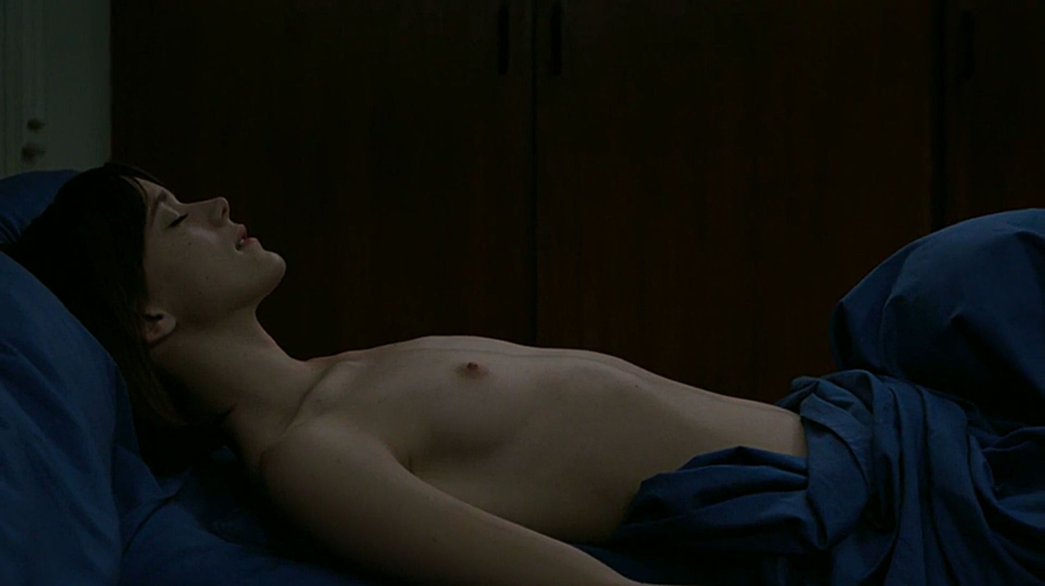 Stacy-Martin-Nude-Le-Redoutable-2017-9-The-Fappening-Blog.jpg