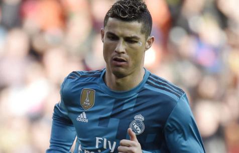 """ABC: """"Мадрид"""" увеличит зарплату Роналду до 30 млн евро"""