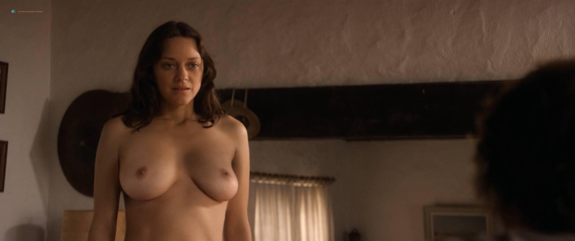 Marion-Cotillard-nude-full-frontal-Alba-Rohrwacher-nude-nipple-Les-fantomes-d_Ismael-FR-2017-HD-1080p-BluRay-010.jpg