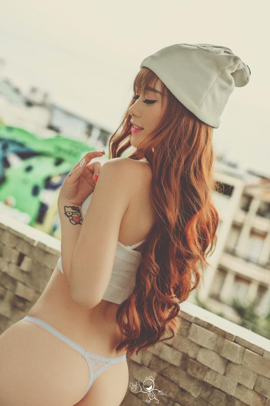 Длинные волосы азиатки