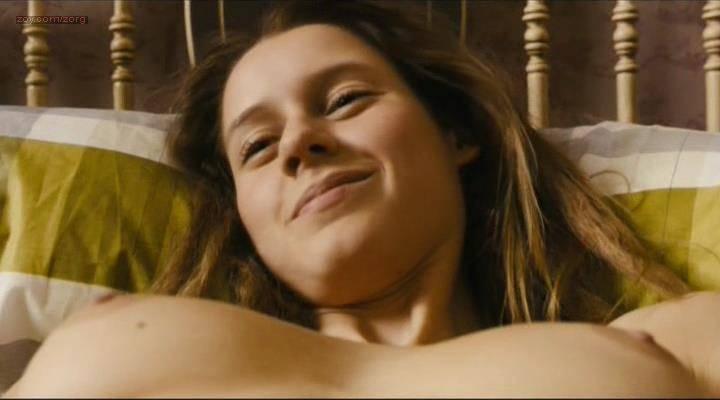 Manuela-Velles-nude-sex-and-very-nasty-Caotica-Ana-2007-0019.jpg