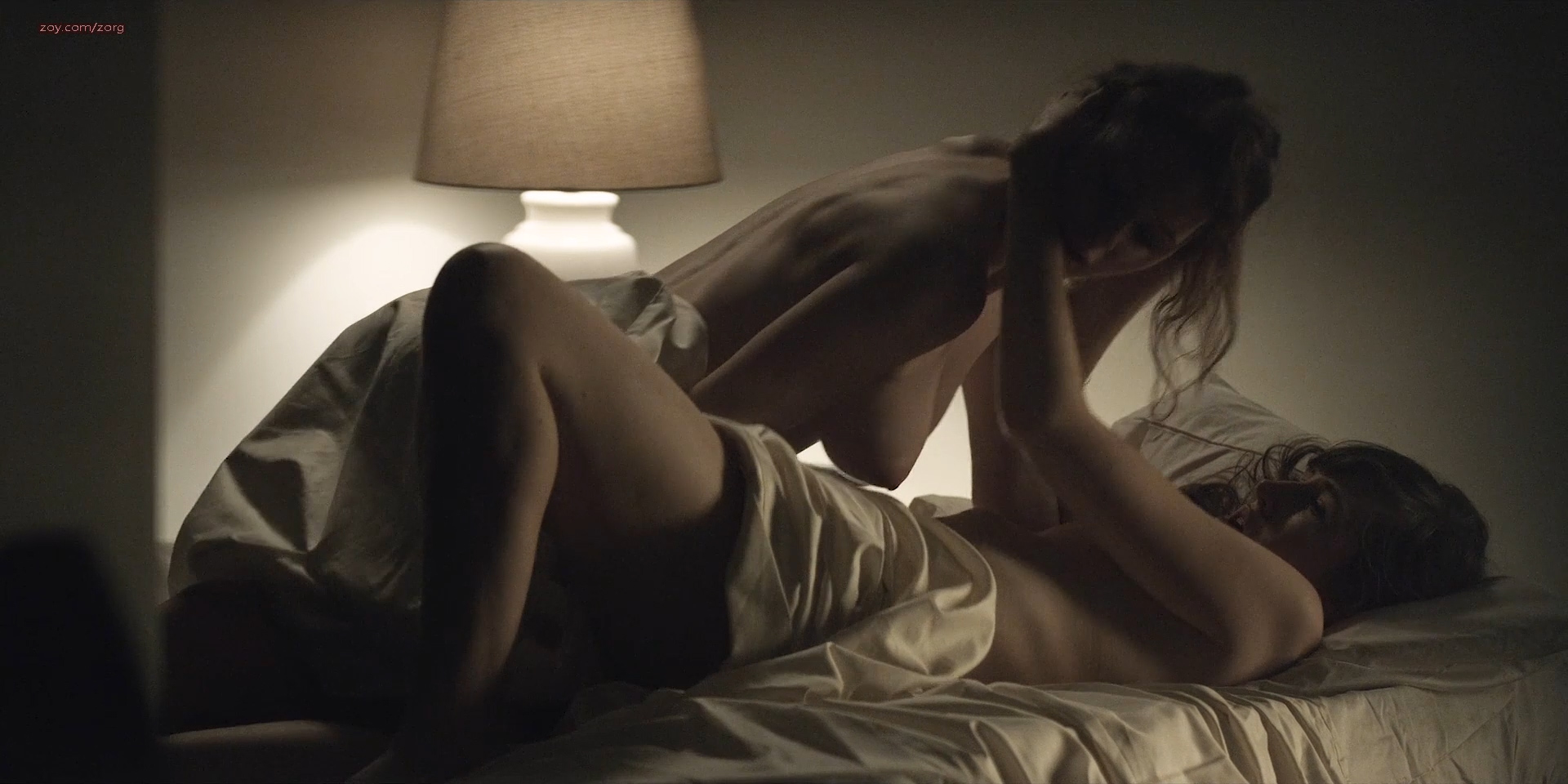 Rachel-Brosnahan-nude-side-boob-House-Of-Cards-2013-s02e6-HD-1080p-5.jpg