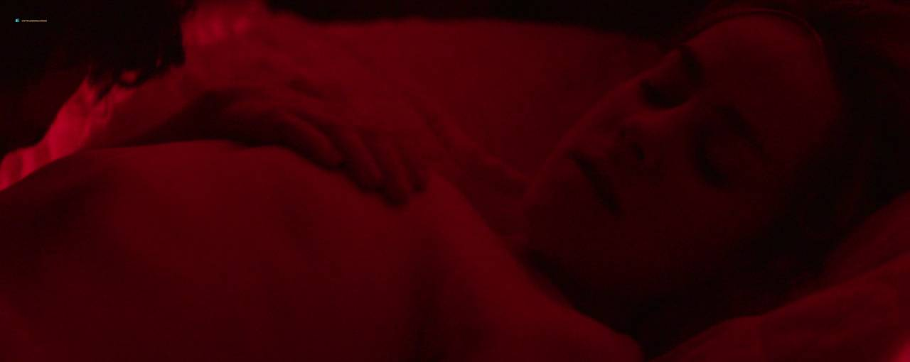 Jena-Malone-nude-brief-nipple-and-hot-Bottom-of-the-World-2017-HD-720p-WEB-DL-9.jpg