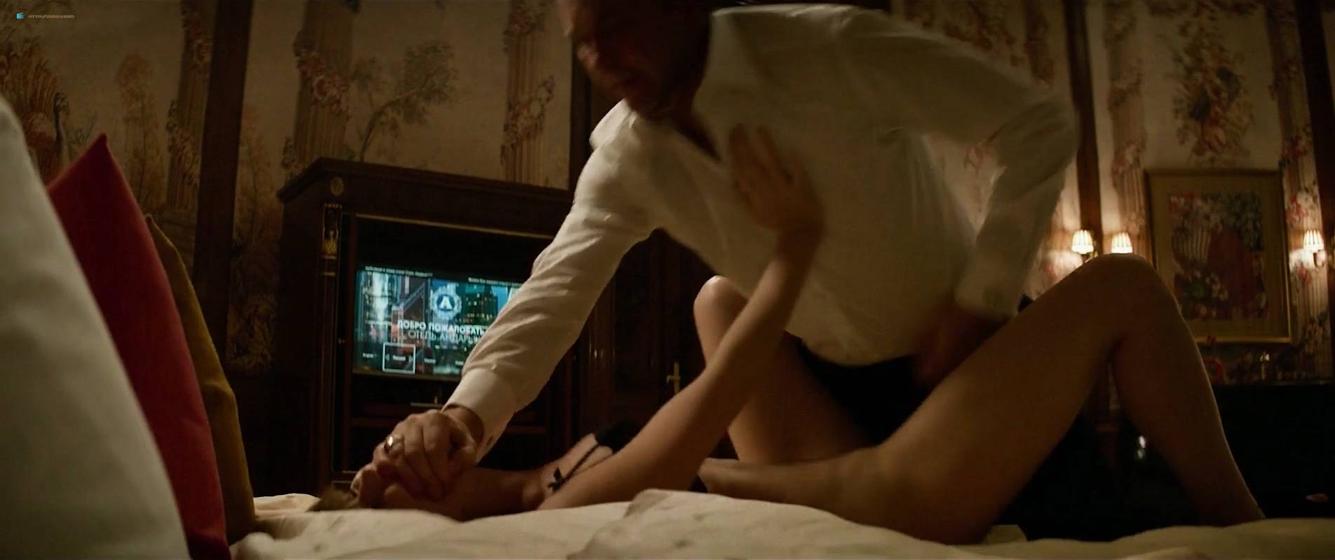 Jennifer-Lawrence-nude-topless-and-butt-Red-Sparrow-2018-HD-1080p-Web-003.jpg