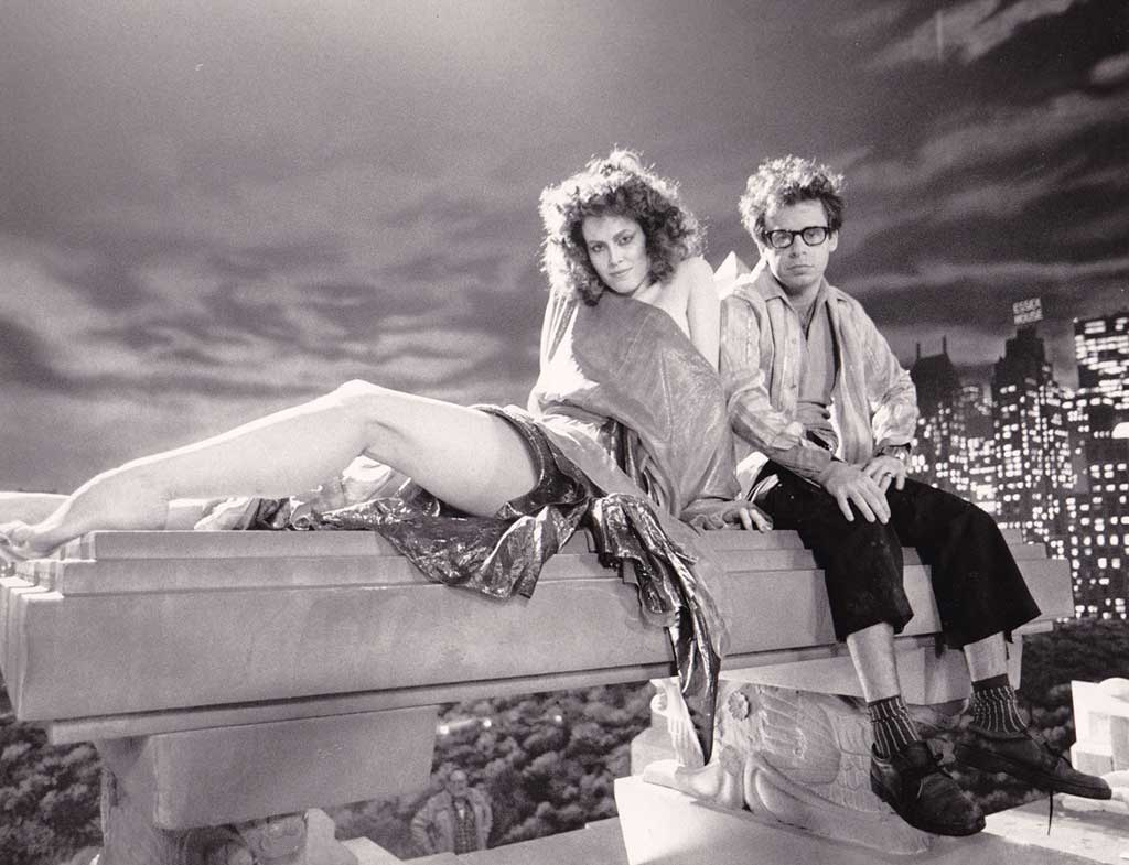 Sigourney-Weaver-and-Rick-Moranis-on-the-set-of-Ghostbusters.jpg