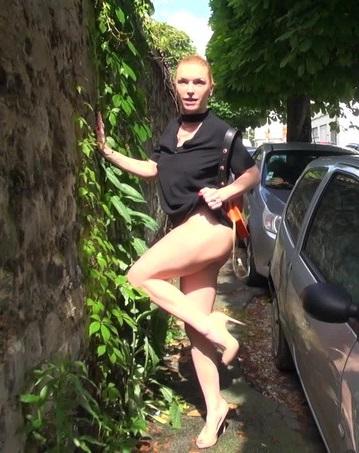 Развратная шлюшка решила сняться в порно!/ Gabrielle - Gabrielle, 41ans, prof de pole dance (2018) FullHD 1080p