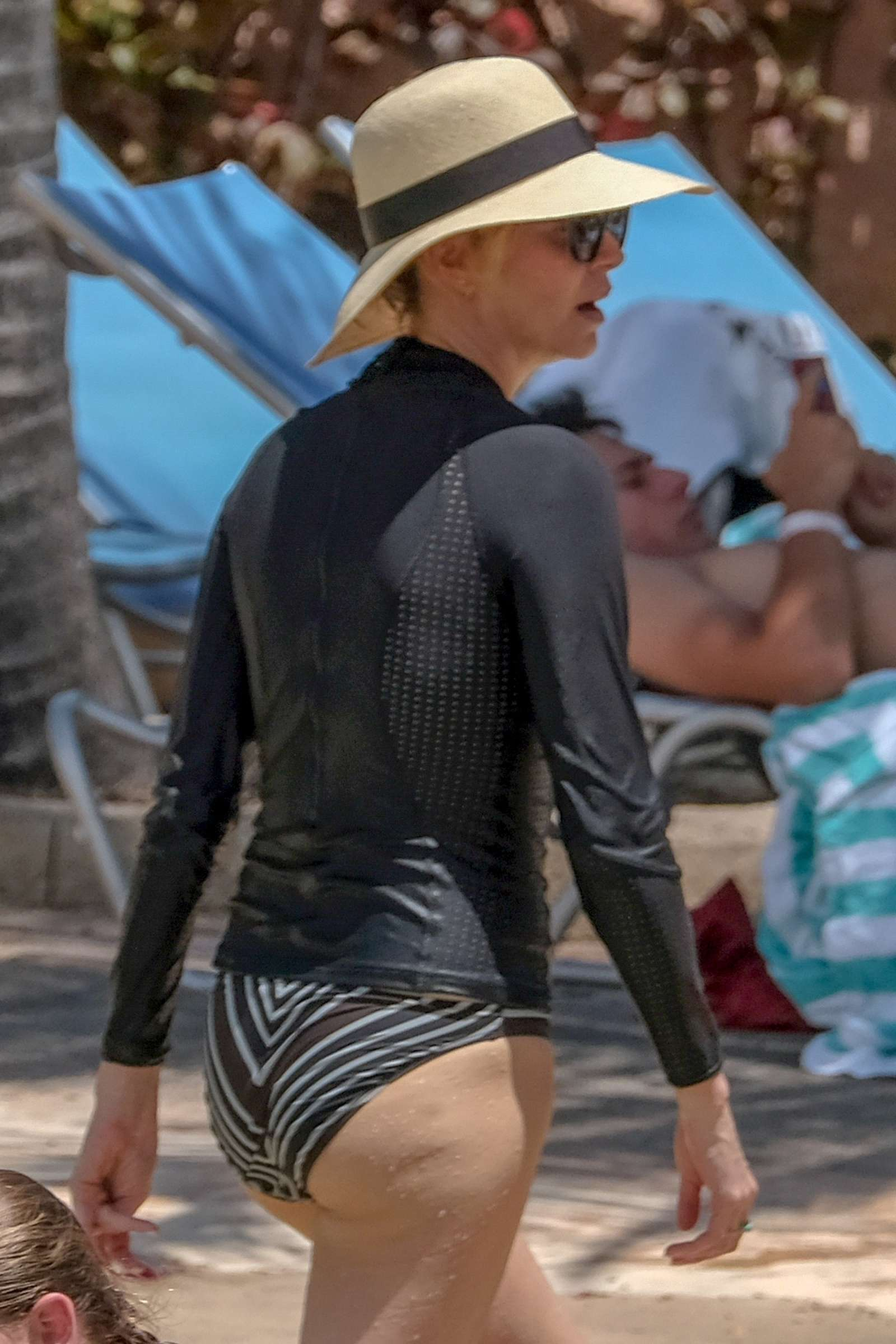 Charlize-Theron-in-Bikini-Bottoms-2018--01.jpg