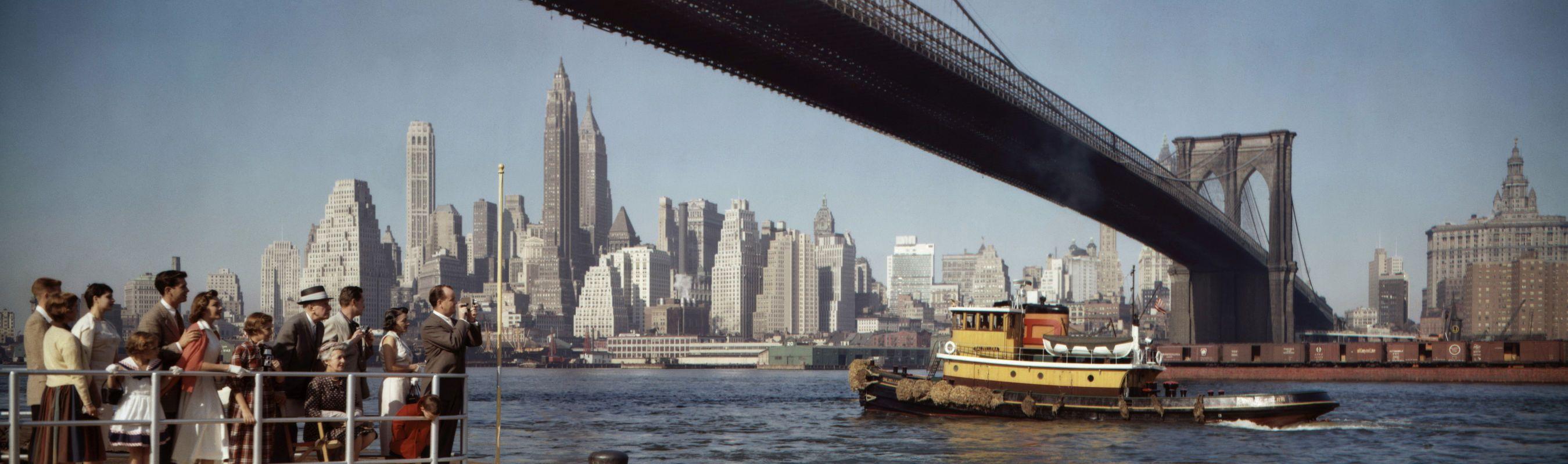 tugboat-under-brooklyn-bridge-new-york-city-1958-colorama-137-c2bd-kodak-_1.jpg