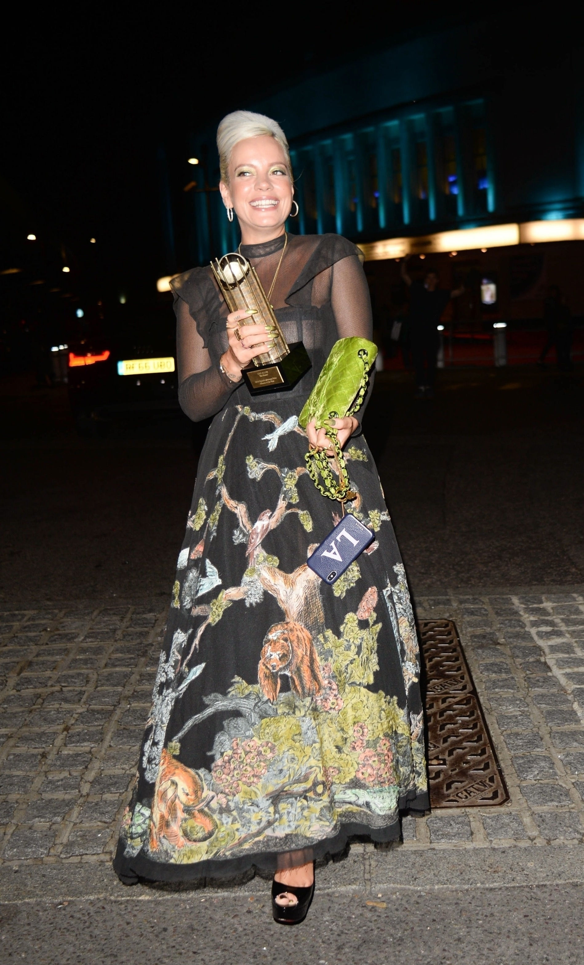 0919040453772_15_Lily-Allen-See-Through-TheFappeningBlog.com-16.jpg