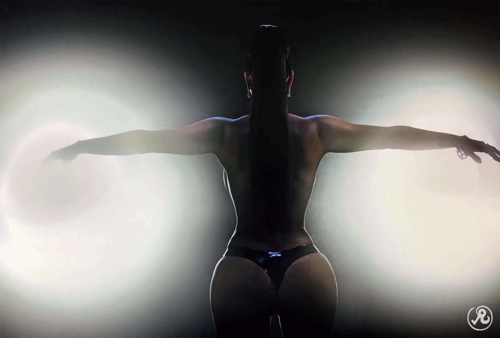 0919211239166_03_Kim-Kardashian-Nude-Sexy-TheFappeningBlog.com-5.jpg