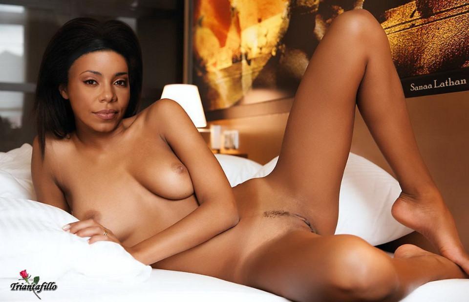 sexy-topless-free-rihanna-nude-pics