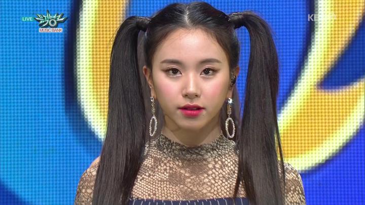 20181111.0509.4 Twice - BDZ (Korean ver.) (Music Bank 2018.11.09 HDTV) (JPOP.ru).ts 1.png