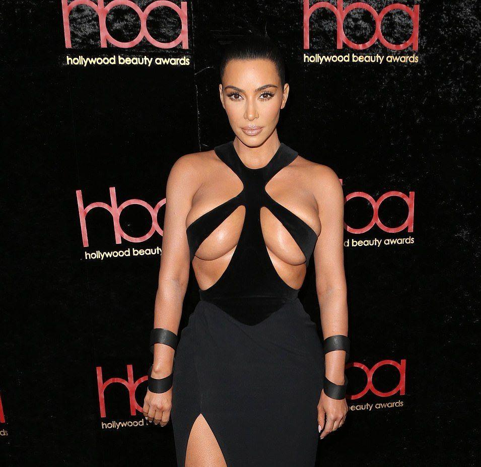 0118180036842_41_Kim-Kardashian-Hot-TheFappeningBlog.com-2.jpg
